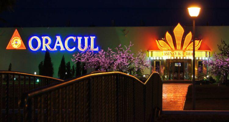 При відкритті перше казино в Азовському місто oracul ліжко сцені в Казино Рояль
