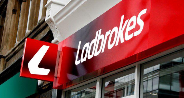 Ladbrokes начинает внутреннее расследование инцидента в Глазго, пока UKGC официально не возбудил дело