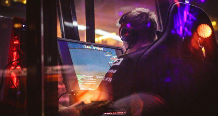 «Ростелеком» намерен инвестировать в киберспорт
