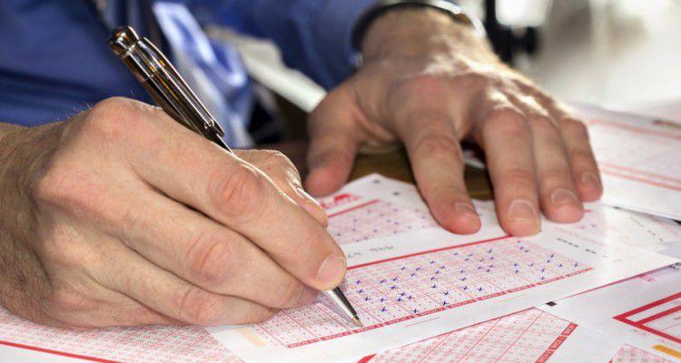 Нацбанку Украины порекомендовали исключить лотереи из доступных банкам видов деятельности