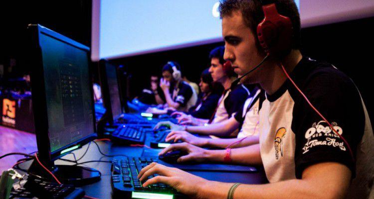В Санкт-Петербурге прошли первые соревнования по киберспорту