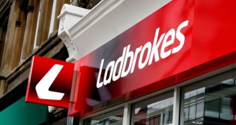 Ladbrokes останется титульным спонсором Шотландской национальной футбольной лиги