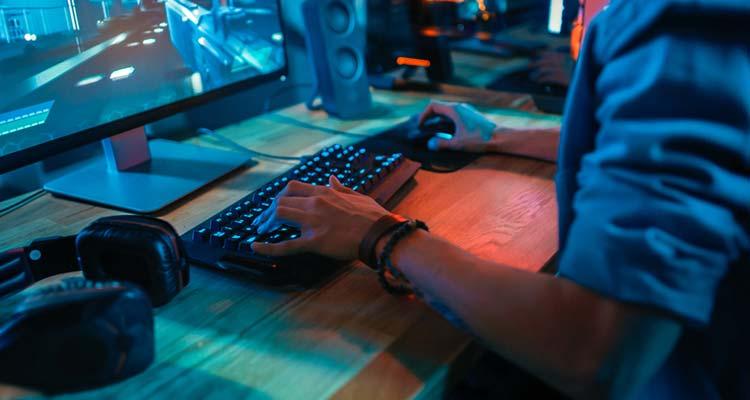 Команда ставит приоритетными задачами также образовательные и социальные проекты, связанные с киберспортом.
