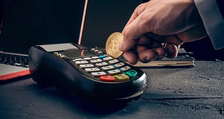 Цифровая валюта постепенно просачивается в бытовые и корпоративные секторы