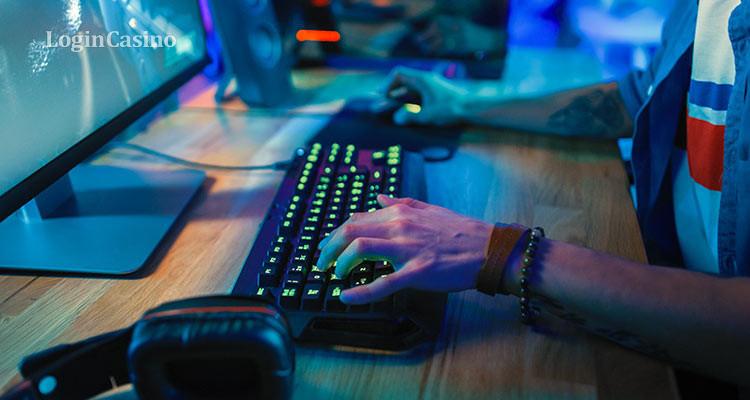 Финальный этап турнира России по киберспорту посетило около 10 тыс. зрителей